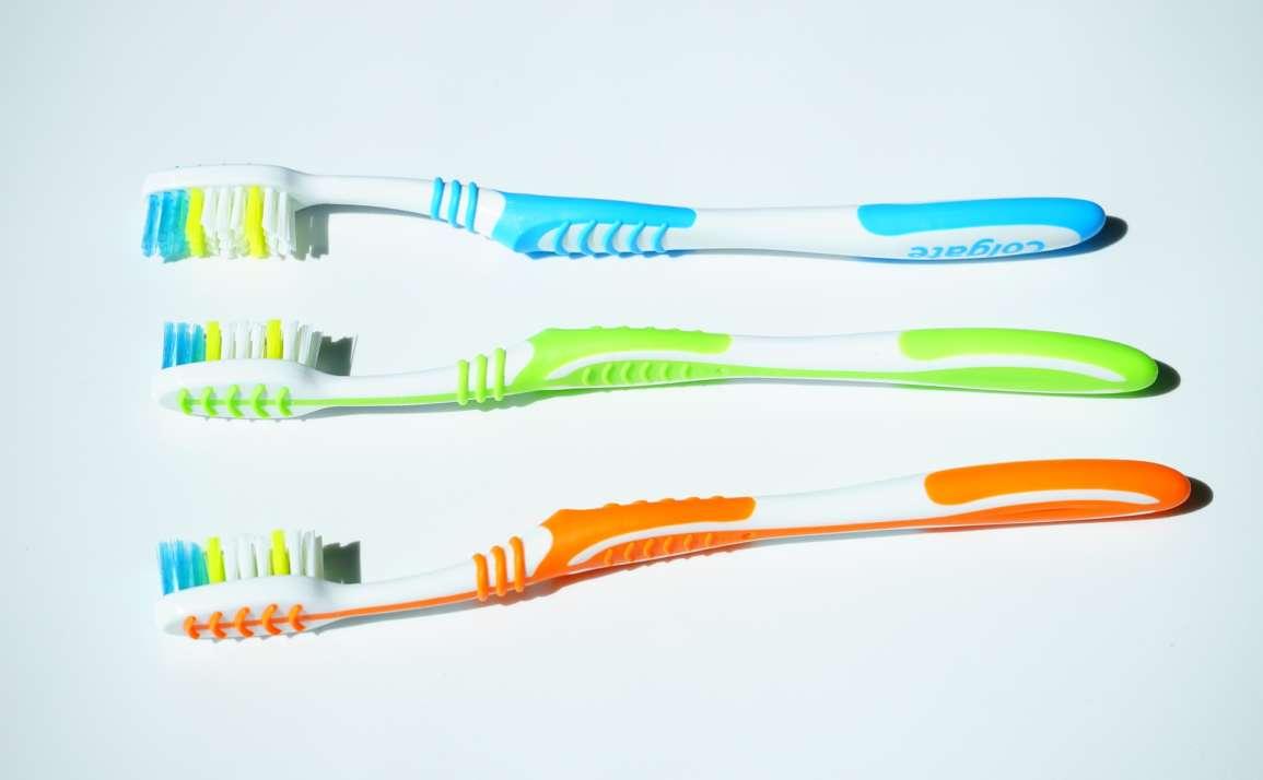 Consejos para elegir un buen cepillo de dientes